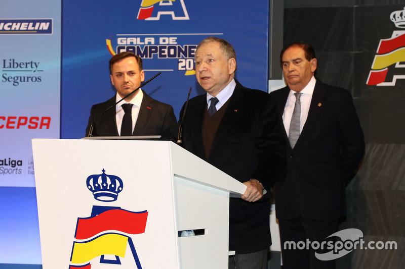 Jean Todt, presidente de la FIA, con Manuel Aviñó, presidente de la RFEdA y Carlos Gracia, expresidente de la RFEdA