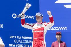 Podium: second place Felix Rosenqvist, Mahindra Racing