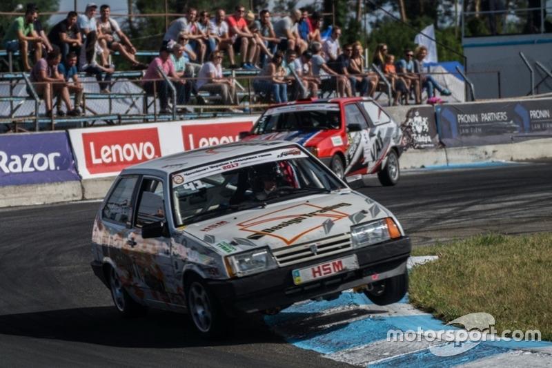 Антон Поляничко та Андрій Гайдамаченко - гонка 2: ТЛайт та ВАЗ-2108