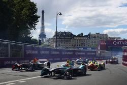 Nelson Piquet Jr., NEXTEV TCR Formula E Team, leads Jérôme d'Ambrosio, Dragon Racing, and Lucas di Grassi, ABT Schaeffler Audi Sport