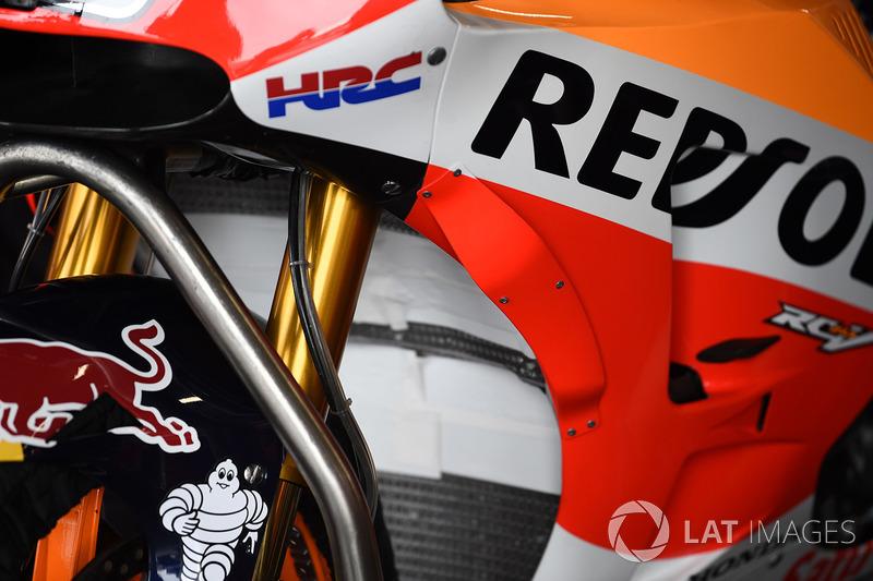 Новий обтічник на мотоциклі Дані Педроси Repsol Honda Team