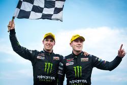 Race winners Cameron Waters, Prodrive Racing Australia Ford, Richie Stanaway, Prodrive Racing Australia Ford