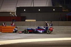 Болід Карлоса Сайнса., Scuderia Toro Rosso STR12, зупинився