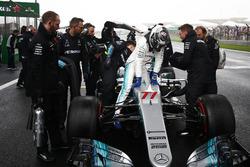 Valtteri Bottas, Mercedes AMG, arrives on the grid