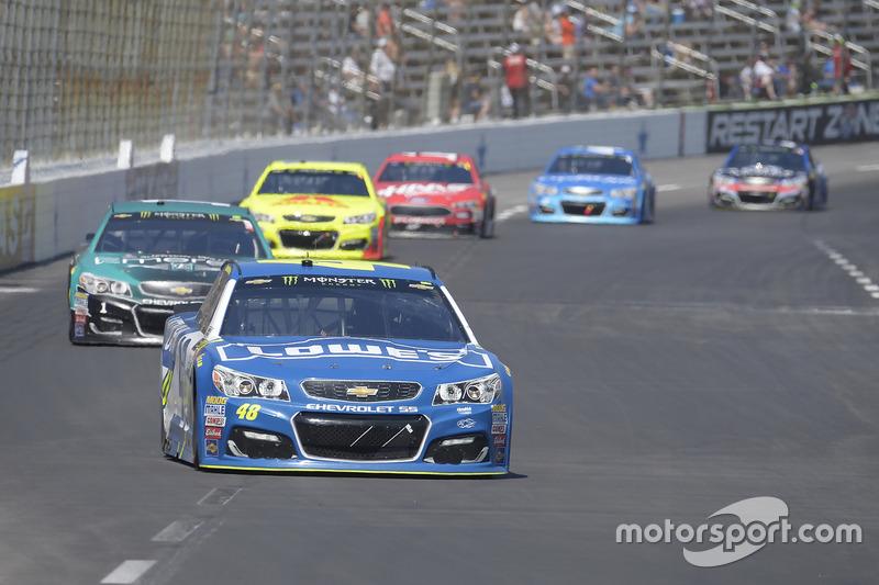 Jimmie Johnson, Hendrick Motorsports, Chevrolet; Jamie McMurray, Chip Ganassi Racing, Chevrolet