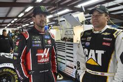 Kurt Busch, Stewart-Haas Racing Ford, Ryan Newman, Richard Childress Racing Chevrolet
