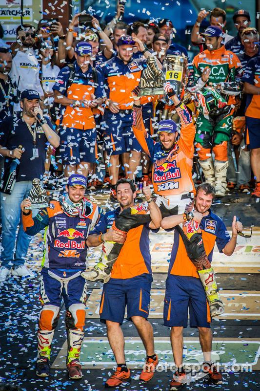 Ganador #14 Red Bull KTM Factory Racing: Sam Sunderland y #16 Red Bull KTM Factory Racing: Matthias