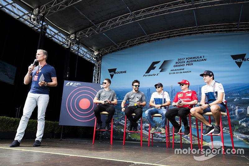 David Coulthard mit Stoffel Vandoorne, McLaren; Fernando Alonso, McLaren; Felipe Massa, Williams; Kimi Räikkönen, Ferrari; Lance Stroll, Williams