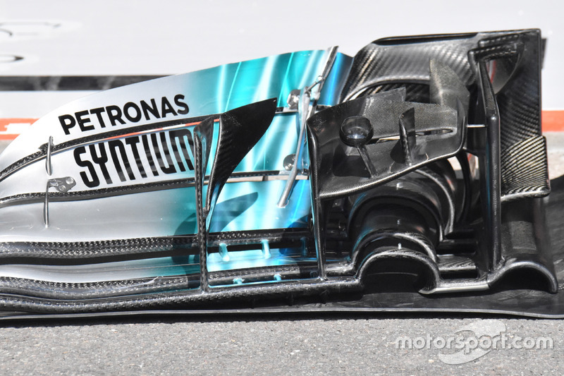 Mercedes-Benz F1 W08, detail front wing