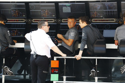 Zak Brown, Executive Director, McLaren Technology Group, talks to F3 driver Lando Norris on the pit wall