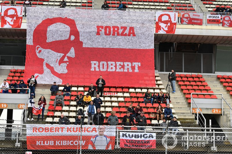 Tifosi e cartelloni per Robert Kubica, Williams Racing