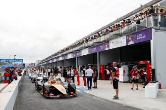 Jean-Eric Vergne, DS TECHEETAH, DS E-Tense FE19, at the front of the queue