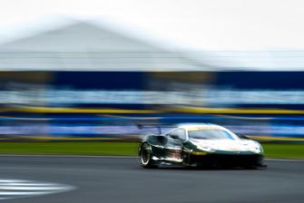#55 Spirit of Race Ferrari F488 GTE: Duncan Cameron, Matthew Griffin, Aaron Scott