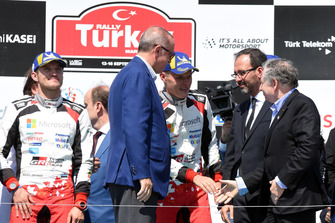 Race Winner Ott Tänak, Martin Järveoja, Toyota Gazoo Racing, Recep Tayyip Erdoğan, President of Turkey, Jean Todt, FIA President