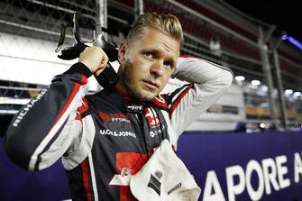 Kevin Magnussen, Haas F1 Team, in griglia di partenza