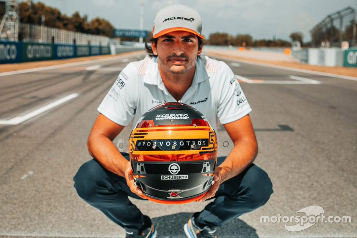 Carlos Sainz Jr, McLaren with his new helmet