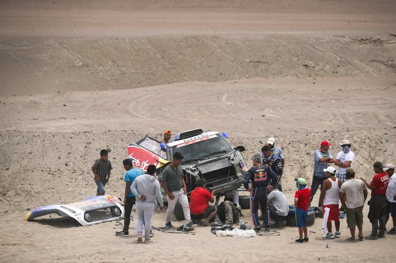 #300 X-Raid Mini JCW Team: Carlos Sainz, Lucas Cruz tras su accidente
