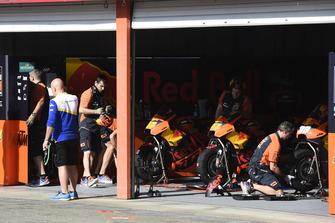 Técnicos de Red Bull KTM Factory Racing