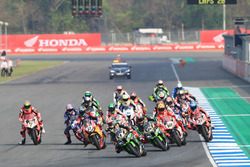 Jonathan Rea, Kawasaki Racing leads at the start