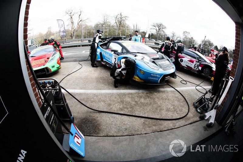 2 Barwell Motorsport Lamborghini Huracan Gt3 Leo Machitski Patrick Kujala