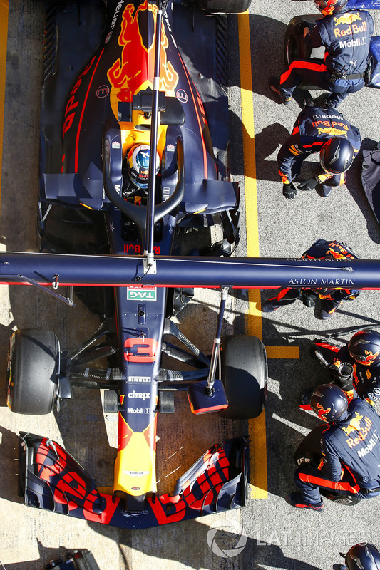 Daniel Ricciardo, Red Bull Racing RB14, in the pits