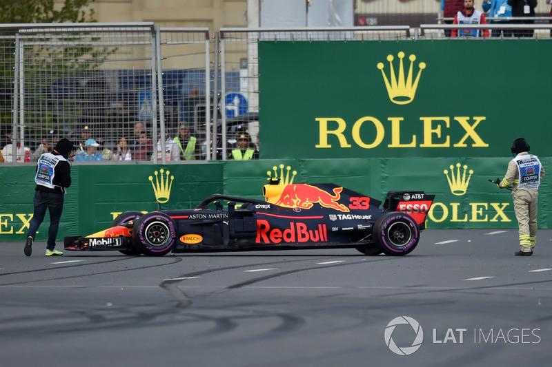 La voiture endommagée de Max Verstappen, Red Bull Racing RB14