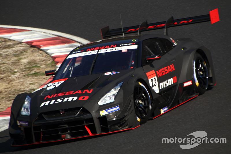 Цугио Мацудаи Ронни Квинтарелли –NISMO, №23(Nissan GT-R)
