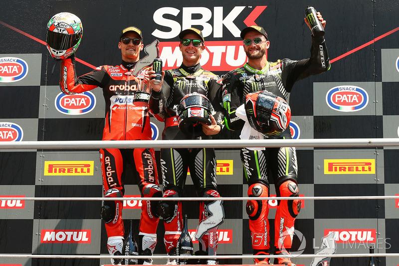 Podium: race winner Jonathan Rea, Kawasaki Racing, second place Chaz Davies, Aruba.it Racing-Ducati SBK Team, third place Tom Sykes, Kawasaki Racing