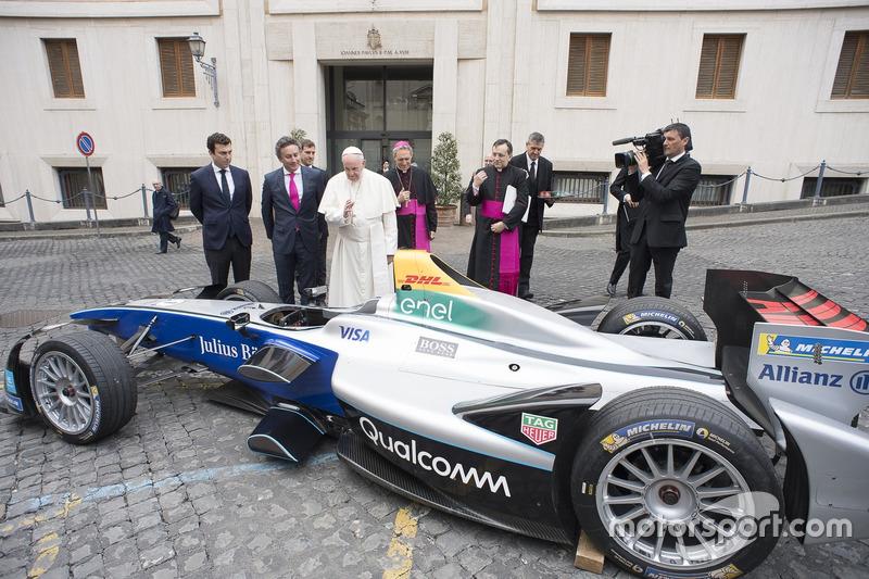 Le pape François et Alejandro Agag, PDG de la Formule E
