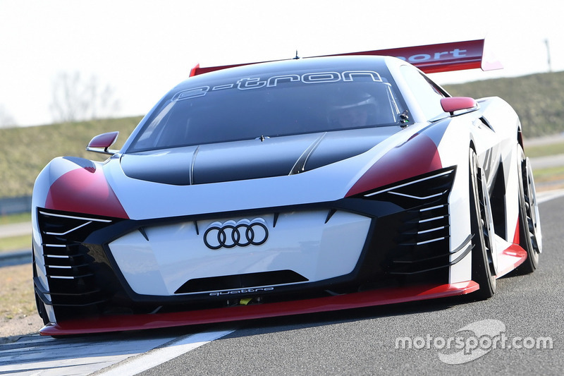 Audi e-tron Vision Gran Turismo (april 2018)