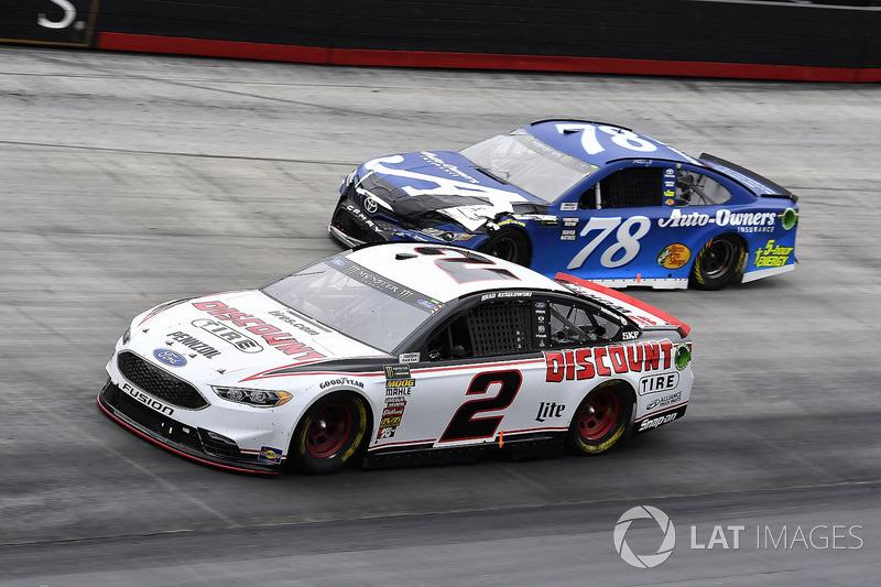 Brad Keselowski, Team Penske, Ford Fusion Discount Tire and Martin Truex Jr., Furniture Row Racing, Toyota Camry Auto-Owners Insurance