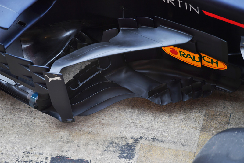 Red Bull Racing RB14 sidepod and bargeboard detail