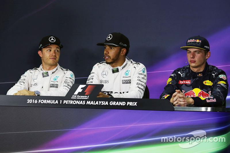 Прес-конференція: друге місце - Ніко Росберг, Mercedes AMG F1, поул-сіттер - Льюіс Хемілтон, Mercedes AMG F1, третє місце Макс Ферстаппен, Red Bull Racing