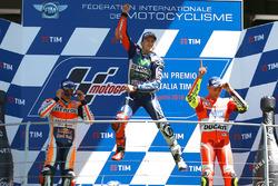 Podium: winnaar Jorge Lorenzo, Yamaha Factory Racing, 2e plaats Marc Marquez, Repsol Honda Team, 3e