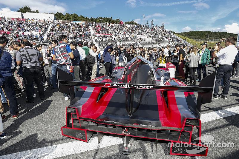 #8 Audi Sport Team Joest, Audi R18 e-tron quattro: Lucas di Grassi, Loic Duval, Oliver Jarvis
