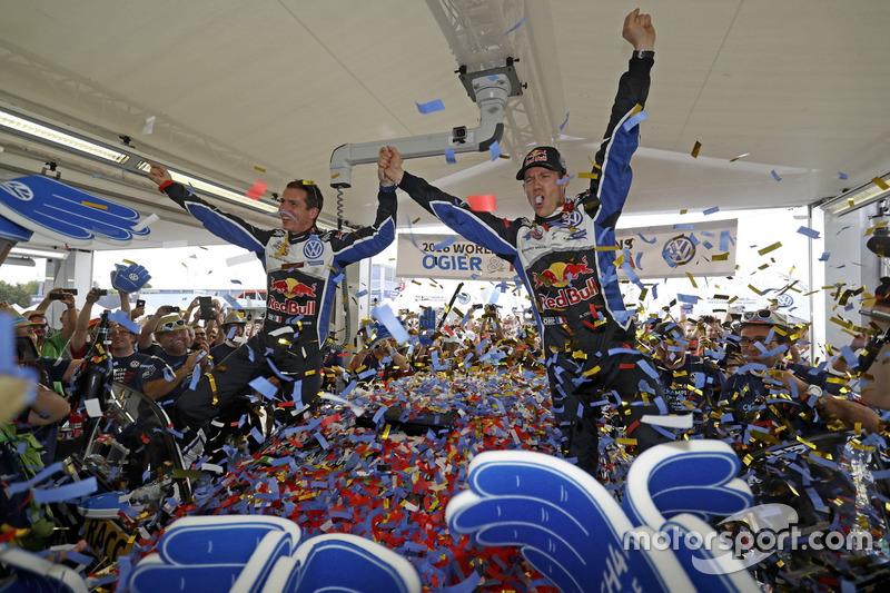 Sébastien Ogier, Julien Ingrassia, Volkswagen Polo WRC, Volkswagen Motorsport celebrating