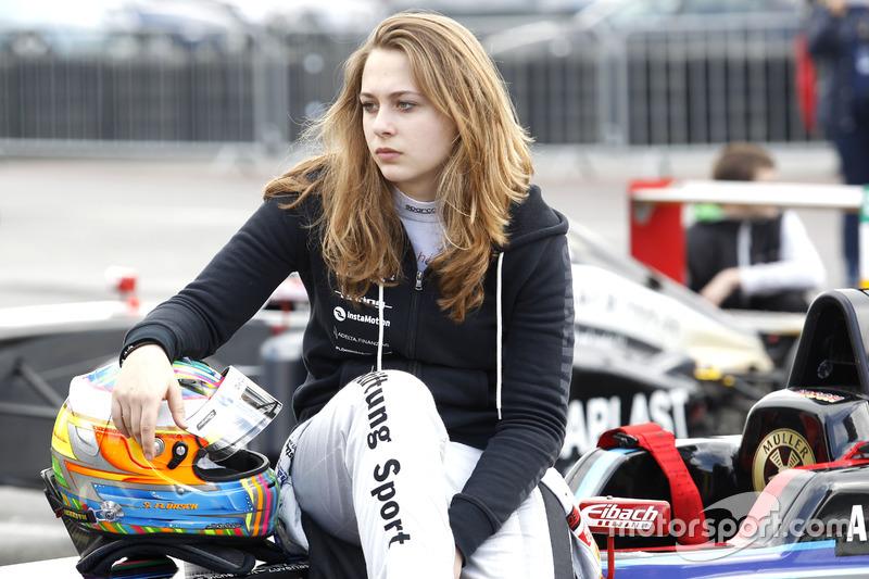 Formel-4-Fahrerin und Kolumnistin Sophia Flörsch