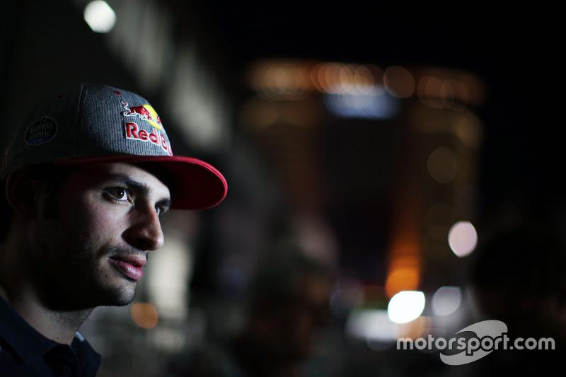 Carlos Sainz Jr., Scuderia Toro Rosso con los medios