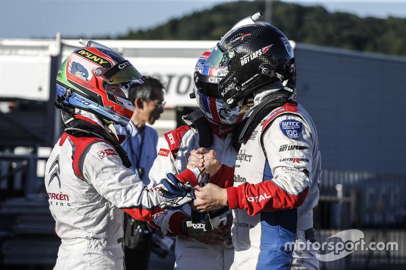 MAC3 polesitters José María López, Yvan Muller, Tom Chilton, Citroën World Touring Car Team, Citroën