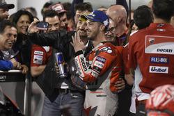 Le vainqueur Andrea Dovizioso, Ducati Team, avec Claudio Domenicali