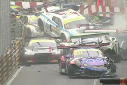 Macau GT start crash