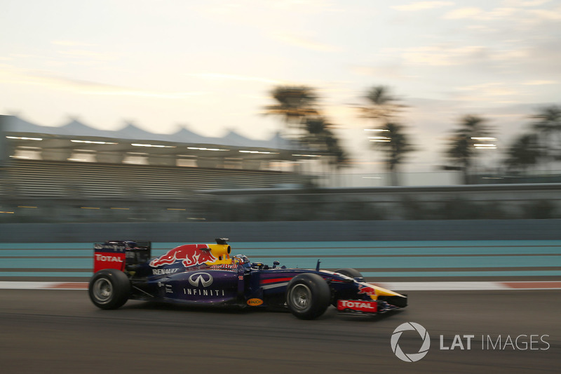 Карлос Сайнс, Red Bull Racing RB10