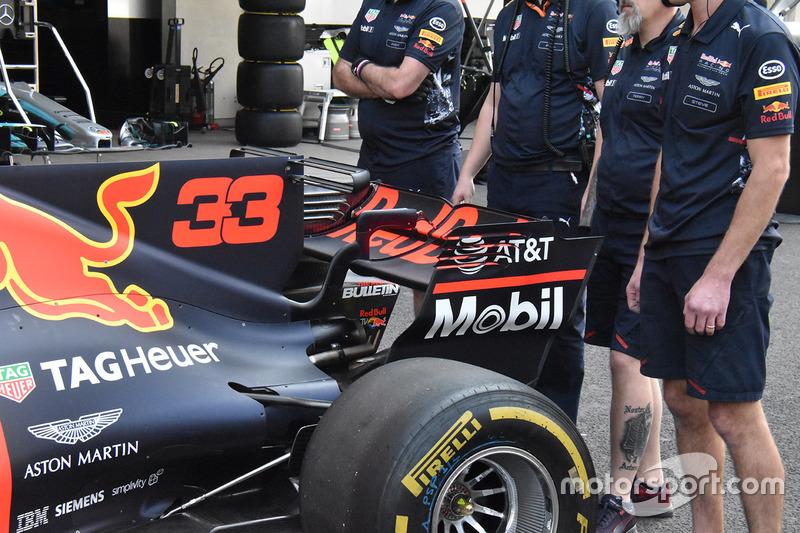 Red Bull RB13: Heckflügel und T-Flügel