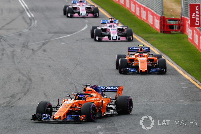 Fernando Alonso, McLaren MCL33 Renault, leads Stoffel Vandoorne, McLaren MCL33 Renault, Sergio Perez