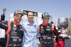 Podium: Winners Thierry Neuville, Nicolas Gilsoul, Hyundai Motorsport Hyundai i20 Coupe WRC