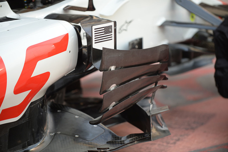 Déflecteurs latéraux de la Haas F1 Team VF-18