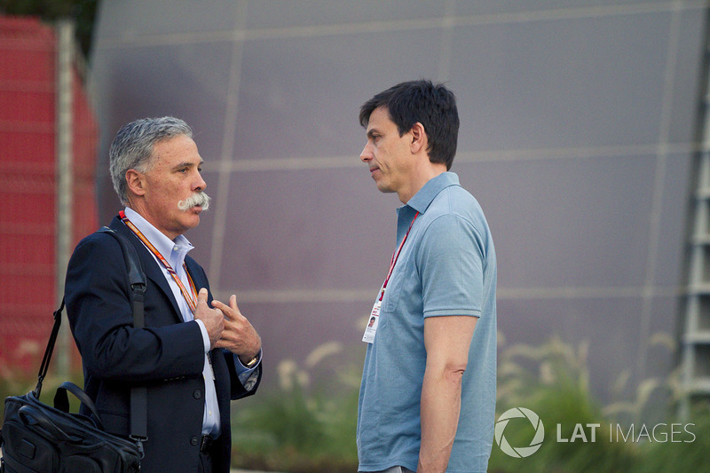 Chase Carey, Director Ejecutivo y Presidente Ejecutivo del Grupo de Fórmula Uno y Toto Wolff, Director de Motorsport de Mercedes AMG F1