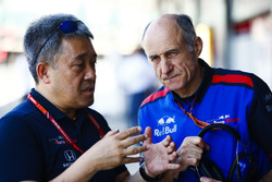 Masashi Yamamoto, General Manager, Honda Motorsport, and Franz Tost, Team Principal, Toro Rosso