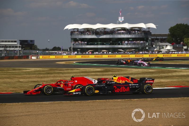 Kimi Raikkonen, Ferrari SH71H, Max Verstappen, Red Bull Racing RB14