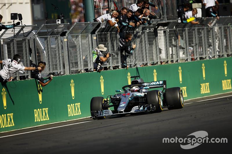 Разрыв на финише между первым и вторым местом составил 17,123 секунды – это второй по величине разрыв в этом сезоне после Гран При Испании (20,593 секунды). Минимальный отрыв в 2018 году был между Феттелем и Боттасом в Бахрейне – 0,699 секунды